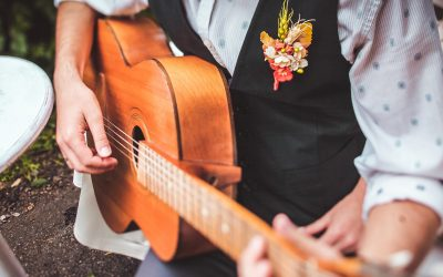 7 Brilliant Questions to Ask Before You Book a Band for a Wedding