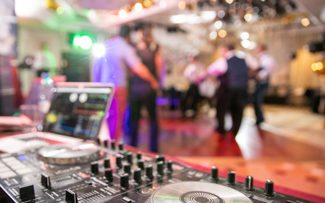 How to Hire the Best DJs in Atlanta for Your Upcoming Wedding or Party
